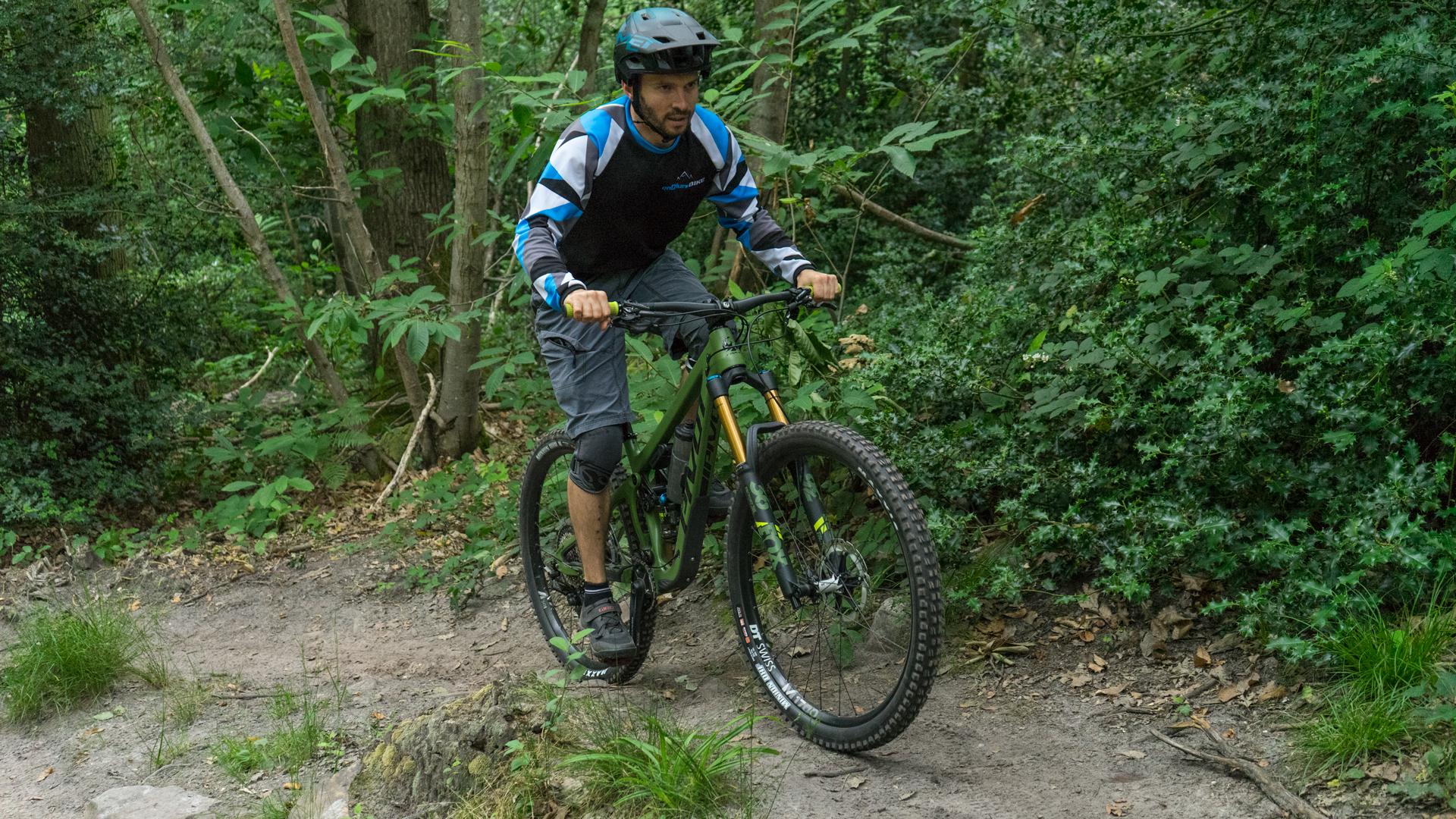 Pivot Switchblade Ride
