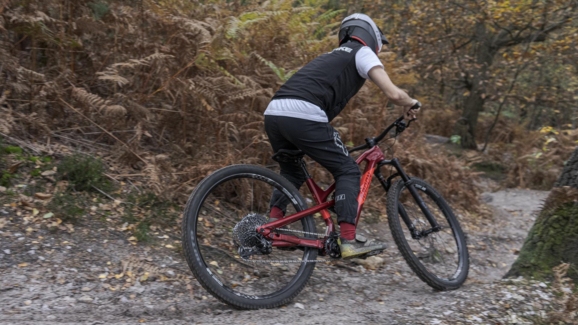 Radon Swoop Riding