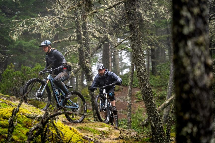 Pivot Trail 429 riding